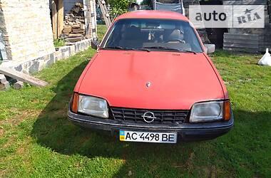 Opel Rekord 1986 в Турийске