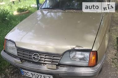 Седан Opel Rekord 1980 в Сокале