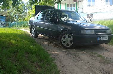 Седан Opel Vectra A 1992 в Бару