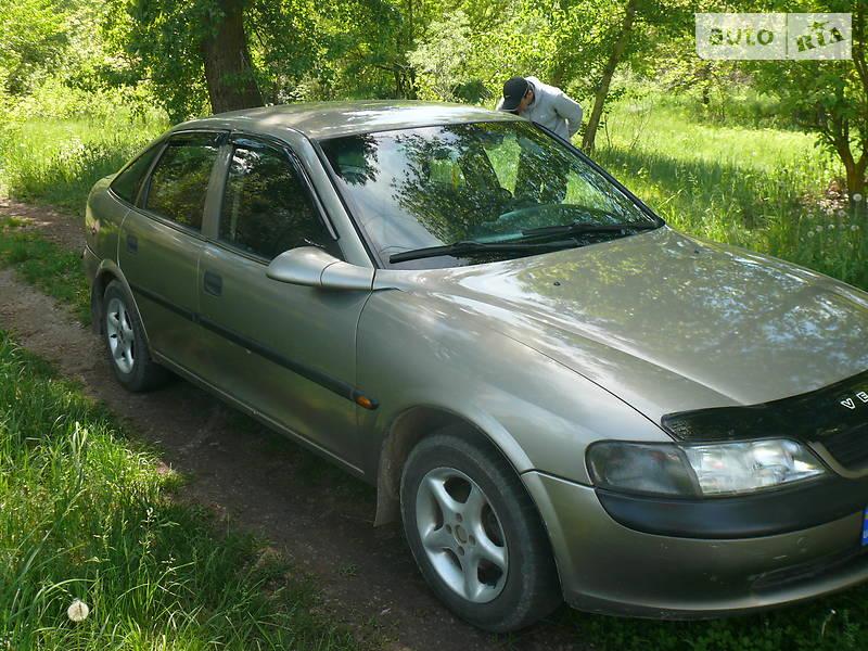 Хэтчбек Opel Vectra B 1996 в Каневе