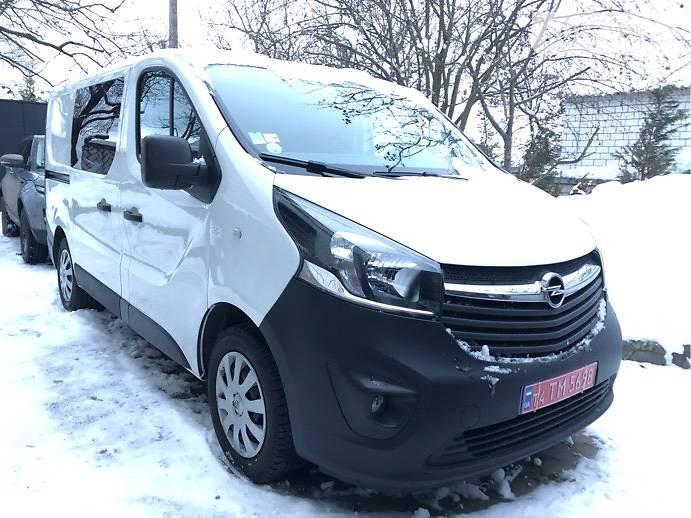 Opel Vivaro пасс. 2015 года в Харькове