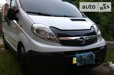 Opel Vivaro пасс. 2009 в Сумах