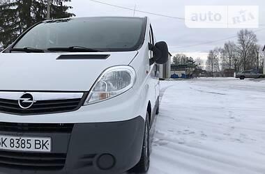 Opel Vivaro пасс. 2007 в Рокитном