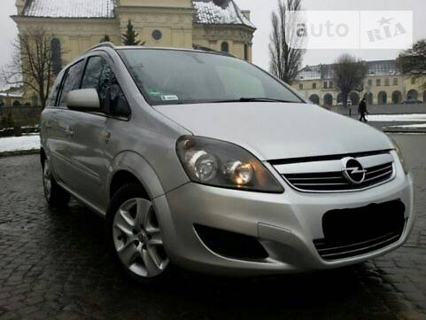 Opel Zafira 2010 в Жовкве