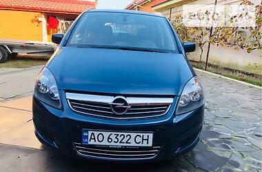 Opel Zafira 2010 в Мукачево