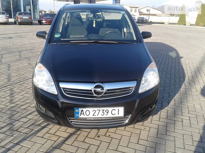 Opel Zafira 2009 в Мукачево