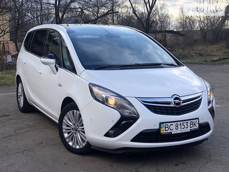 Opel Zafira 2015 в Дрогобыче