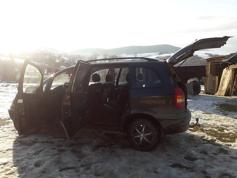 Opel Zafira 2000 в Турке