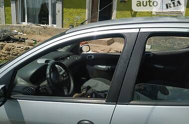 Хэтчбек Peugeot 206 Hatchback (5d) 1998 в Черновцах