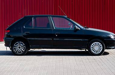 Хэтчбек Peugeot 306 1993 в Херсоне
