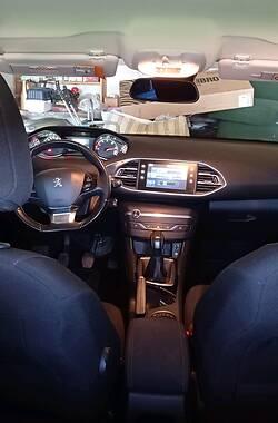 Хетчбек Peugeot 308 2015 в Дніпрорудному