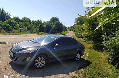 Седан Peugeot 408 2012 в Знам'янці