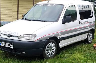 Peugeot Partner пасс. 2002 в Луцке