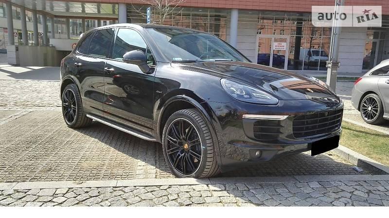 Porsche Cayenne 2016 года в Киеве