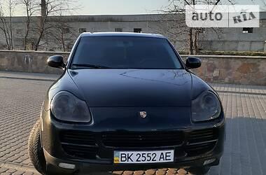 Внедорожник / Кроссовер Porsche Cayenne 2004 в Березному