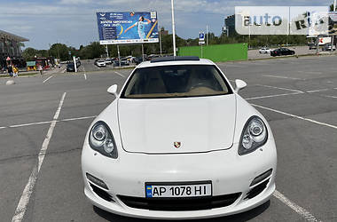 Седан Porsche Panamera 2011 в Запорожье
