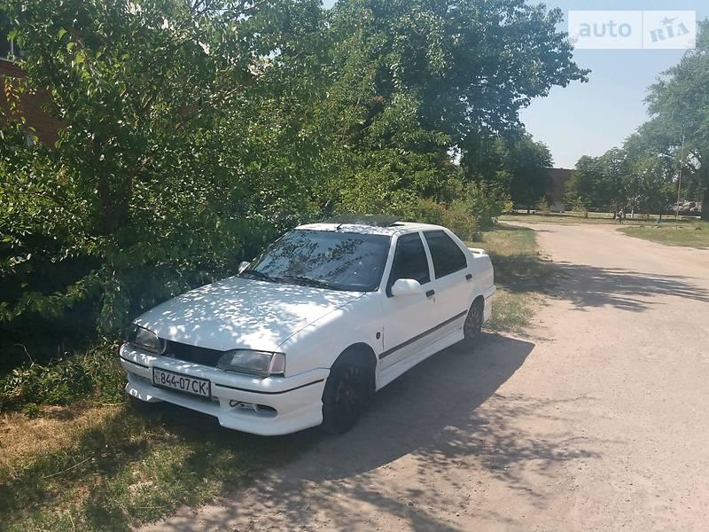 Renault 19 1992 года