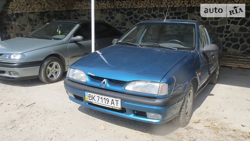 Renault 19 1993 года