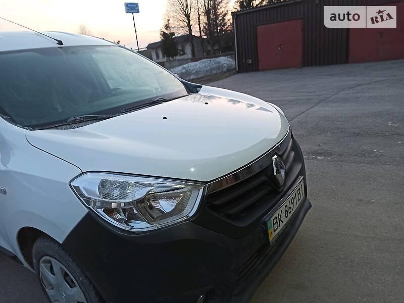 Легковой фургон (до 1,5 т) Renault Dokker груз. 2013 в Ровно