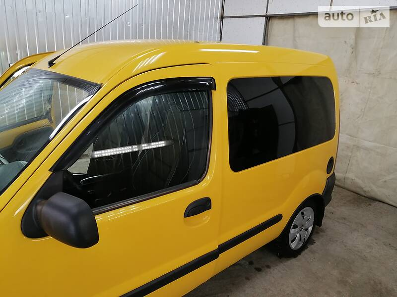 Renault Kangoo пасс. 2000 в Вольногорске
