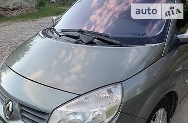 Минивэн Renault Megane Scenic 2004 в Буче