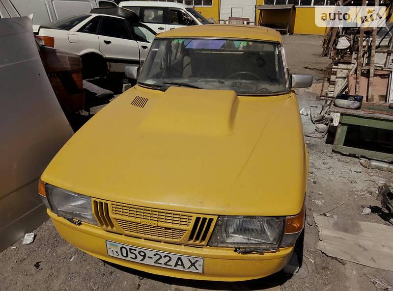Saab 900 1982 года