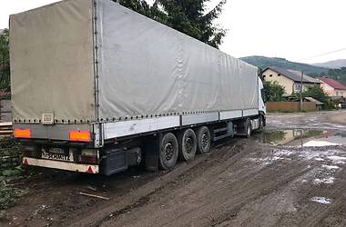 Schmitz Cargobull S01 2002 в Тячеве