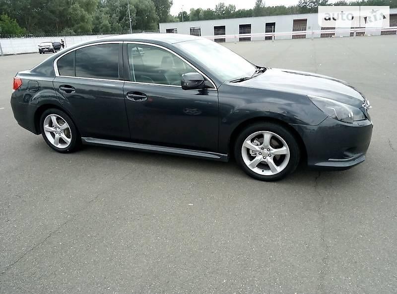 Subaru Legacy 2010 в Пирятине
