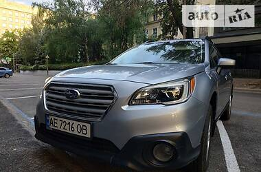 Позашляховик / Кросовер Subaru Outback 2015 в Дніпрі