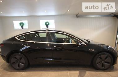 Tesla Model 3 Dual Motor Long Range 2019 в Киеве
