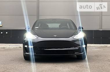 Tesla Model 3 Dual Motor Long Range 2018 в Киеве