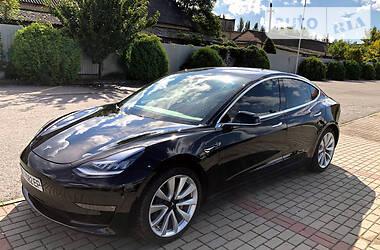 Седан Tesla Model 3 2019 в Ужгороді