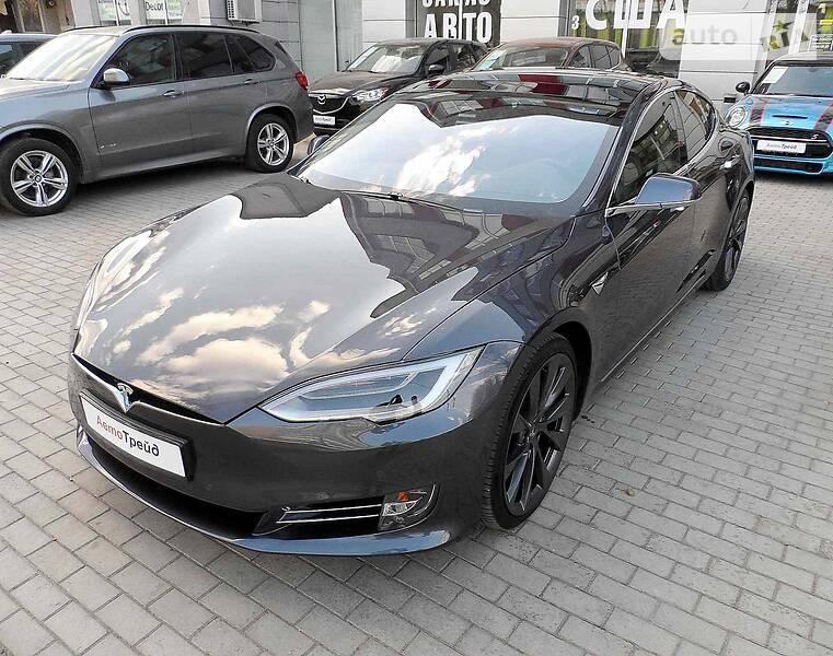 Седан Tesla Model S 2018 в Харкові