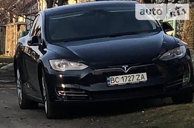 Лифтбек Tesla Model S 2014 в Львове