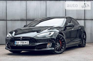 Лифтбек Tesla Model S 2018 в Киеве