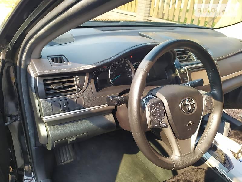 Седан Toyota Camry 2014 в Трускавці