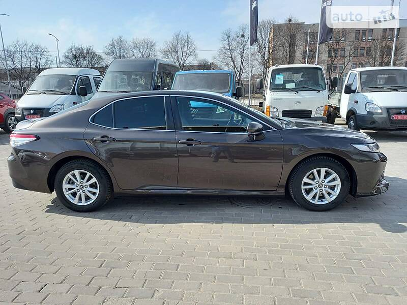 Toyota Camry OFFICIAL AUTO 2018