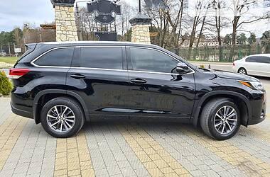 Внедорожник / Кроссовер Toyota Highlander 2016 в Львове