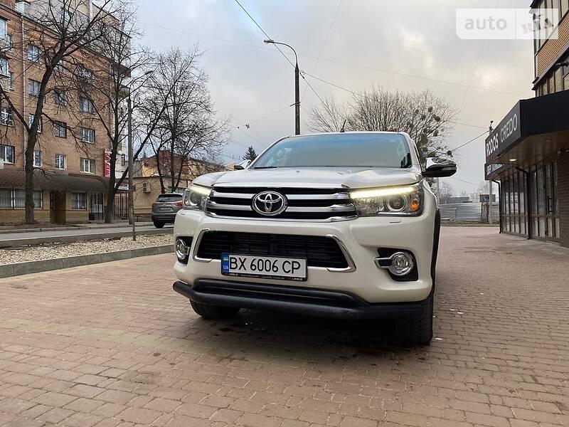 Toyota Hilux 2016 в Хмельницком