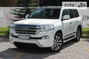 Toyota Land Cruiser 200 2016 в Львове