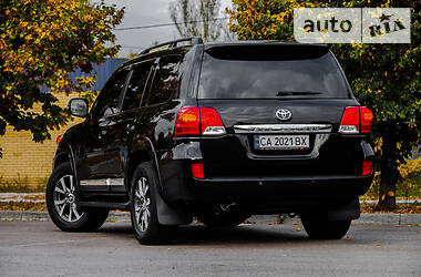 Внедорожник / Кроссовер Toyota Land Cruiser 200 2012 в Днепре