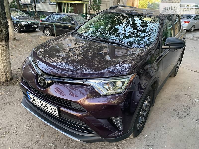 Внедорожник / Кроссовер Toyota RAV4 2016 в Киеве