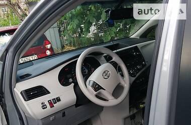 Toyota Sienna 2011 в Киеве