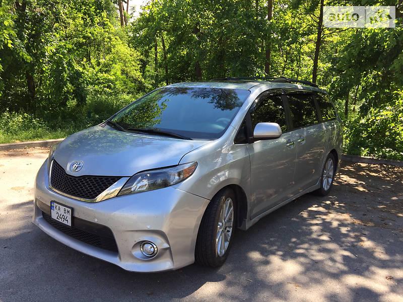 Минивэн Toyota Sienna 2014 в Киеве