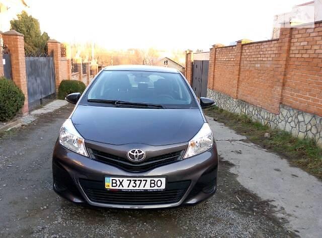 Toyota Yaris 2012 в Хмельницком