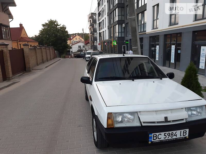 Хэтчбек ВАЗ 2108 1987 в Львове