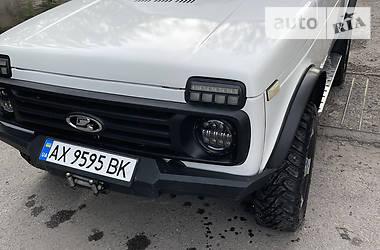 Внедорожник / Кроссовер ВАЗ 21213 2000 в Харькове