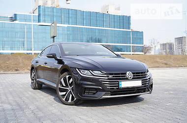 Лифтбек Volkswagen Arteon 2017 в Киеве