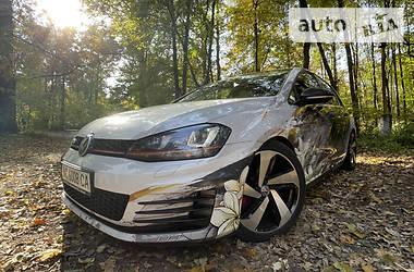 Хэтчбек Volkswagen Golf GTI 2014 в Киеве