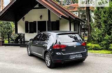 Хэтчбек Volkswagen Golf VII 2015 в Киеве